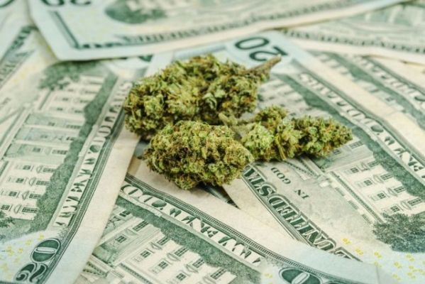 Pipe Dreams: Bitcoin Won't Solve Pot Industry's Banking Problem